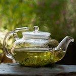Glazen theekan met glasfilter